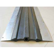 钢边橡胶止水带的构造