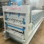 新式840/850/900三层彩钢压瓦机设备厂家