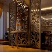 酒店工程中式镂空雕花黑钛不锈钢屏风隔断屏风窗花装修效果图