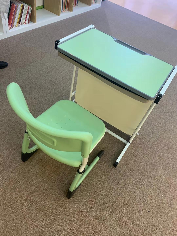 【厂家直销·现货】贝得思科辅导班专用中小学生课桌椅