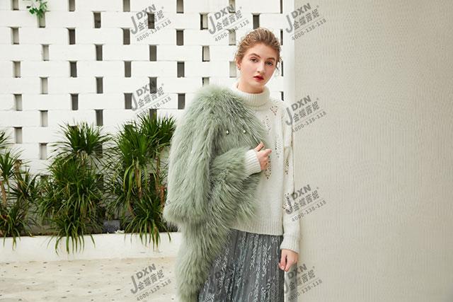 韩版女装开店推动店铺发展,给你光明前程!